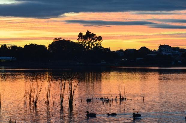 Sunrise at Hamilton Lake